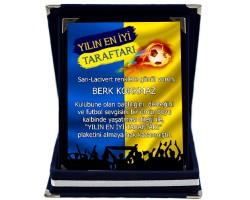 Sarı-Lacivert Yılın En İyi Taraftarı İsimli Taraftar Plaketi