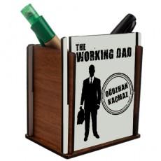 """Babalar Günü Hediyesi """"The Working Dad"""" İsimli Ahşap Kalemlik"""