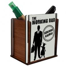 """Kız Çocuk Babasına Hediye """"The Working Dad"""" İsimli Ahşap Kalemlik"""
